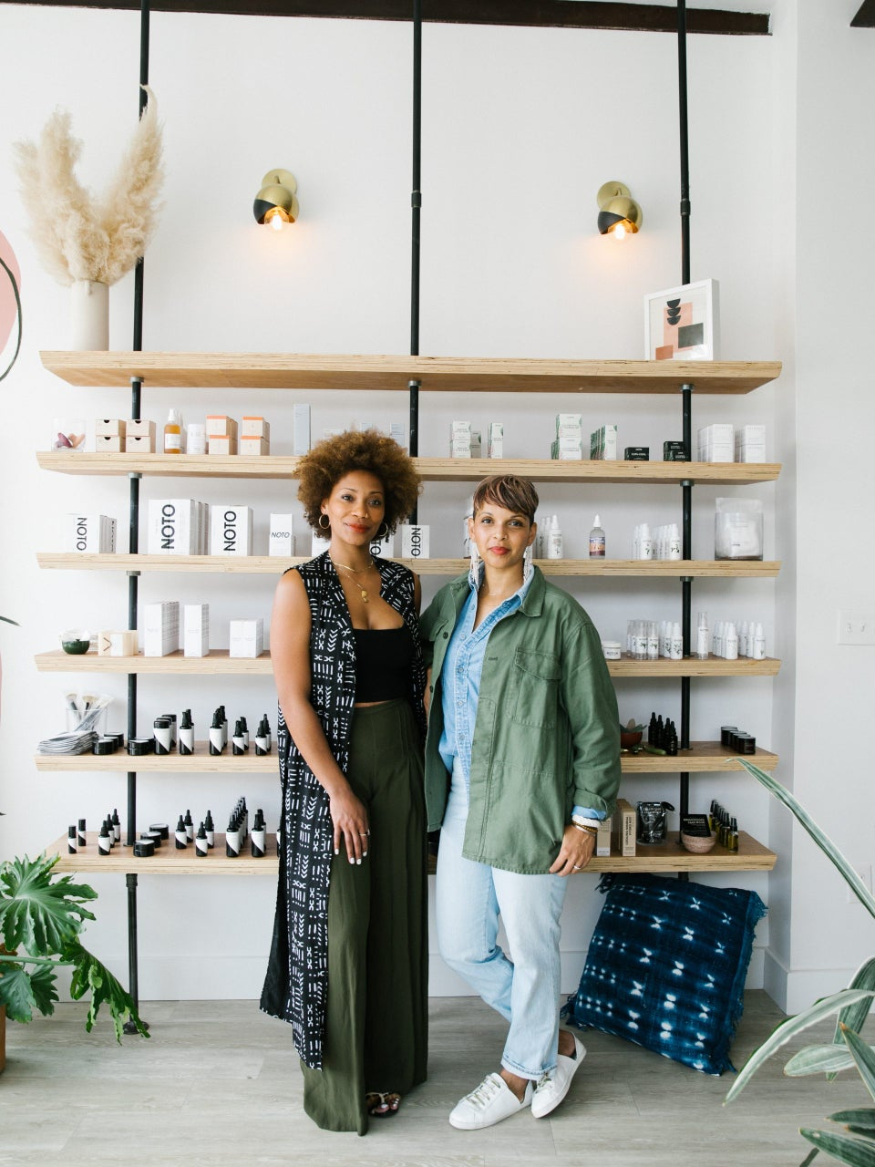 #WeStanForHer: Barefoot and New Voices Foundation Award Grants To 6 Black-Owned Beauty Businesses