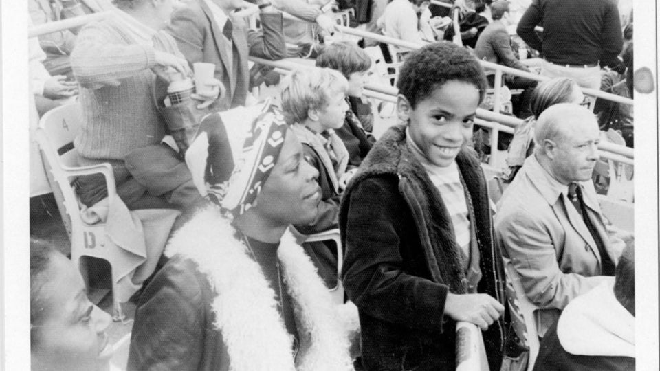 Lenny Kravitz Opens Up About His Mom Roxie Roker And His First Love Lisa Bonet