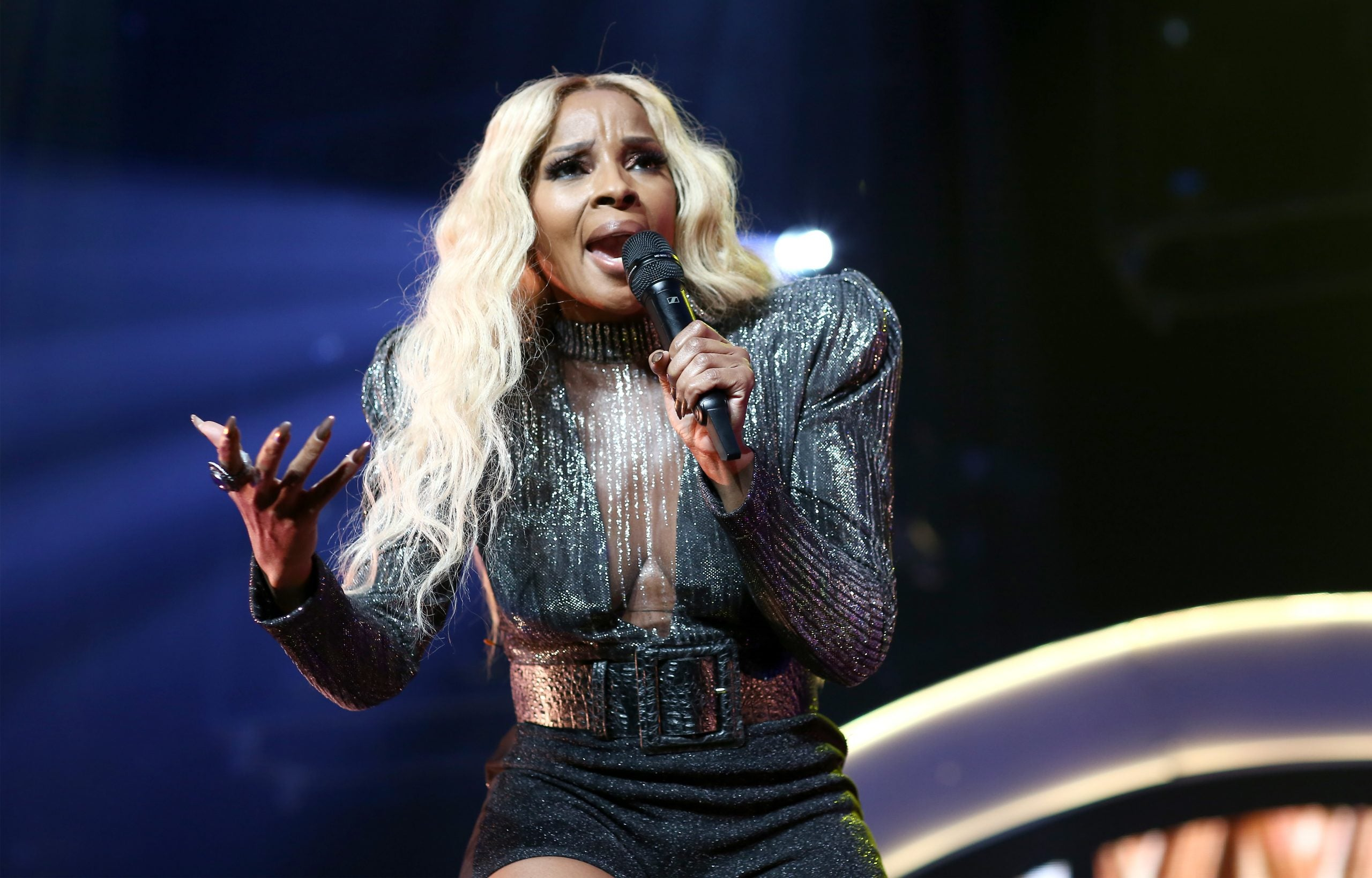 5 Timeless Mary J. Blige Love Songs That Give Us Instant Butterflies
