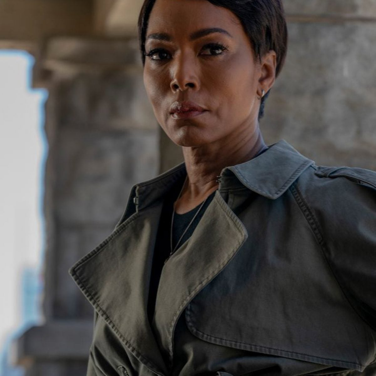 Angela Bassett Talks Filming '9-1-1' During COVID-19 And Why She'd Take The Vaccine
