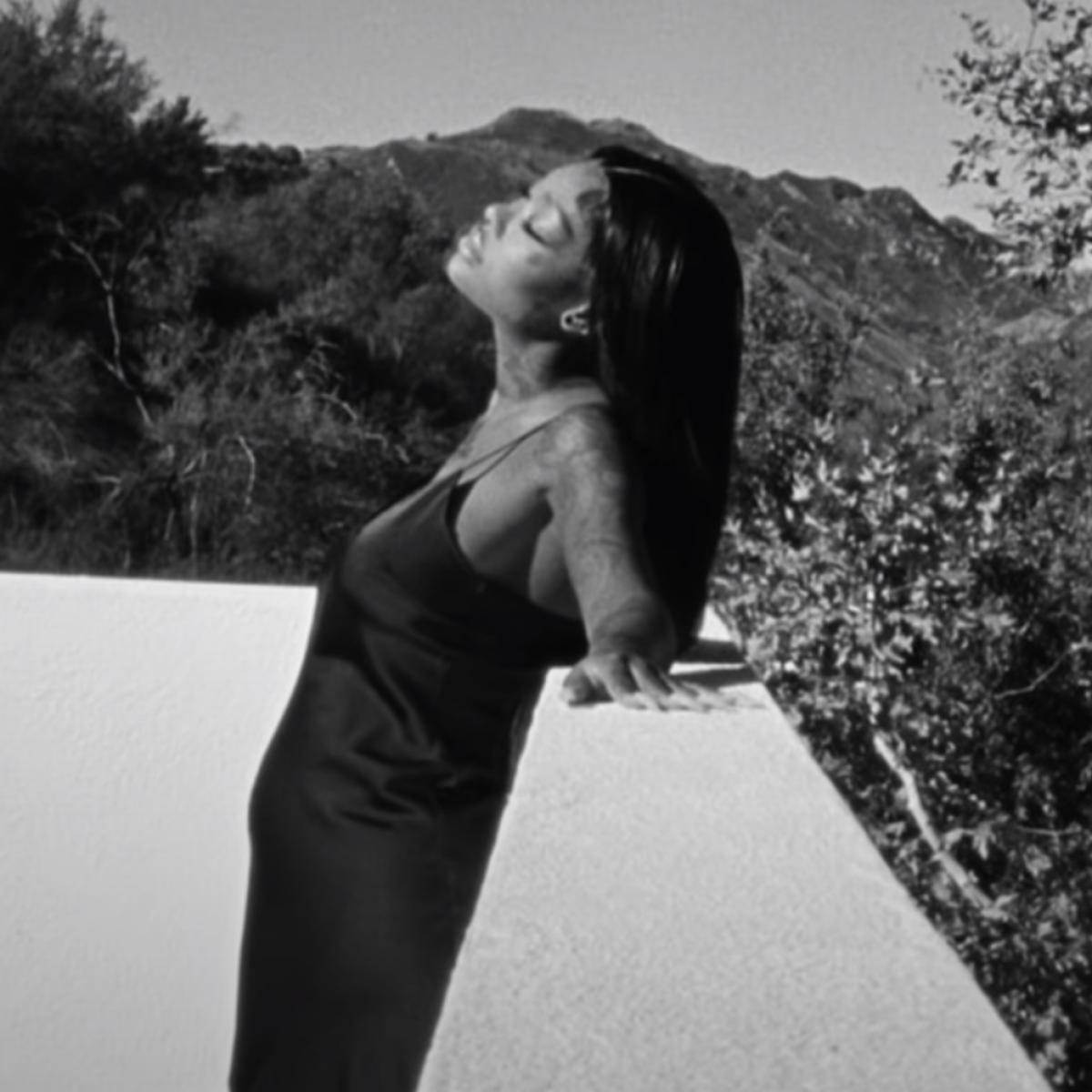 "Summer Walker Shows Off Her Growing Baby Bump In New ""Body"" Video"