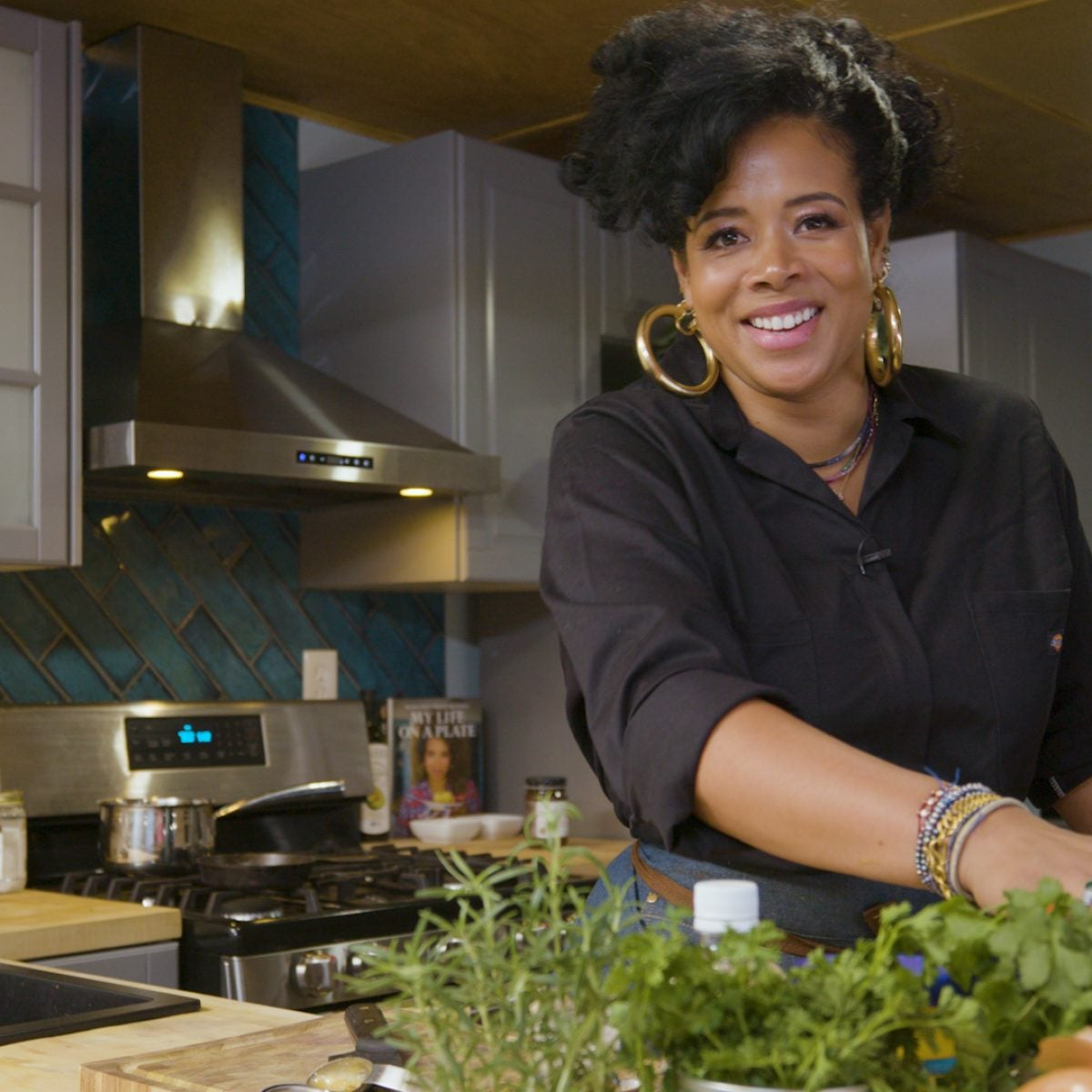 """Kelis Goes From """"Bossy"""" To Saucy With Her New Virtual Cooking Class"""