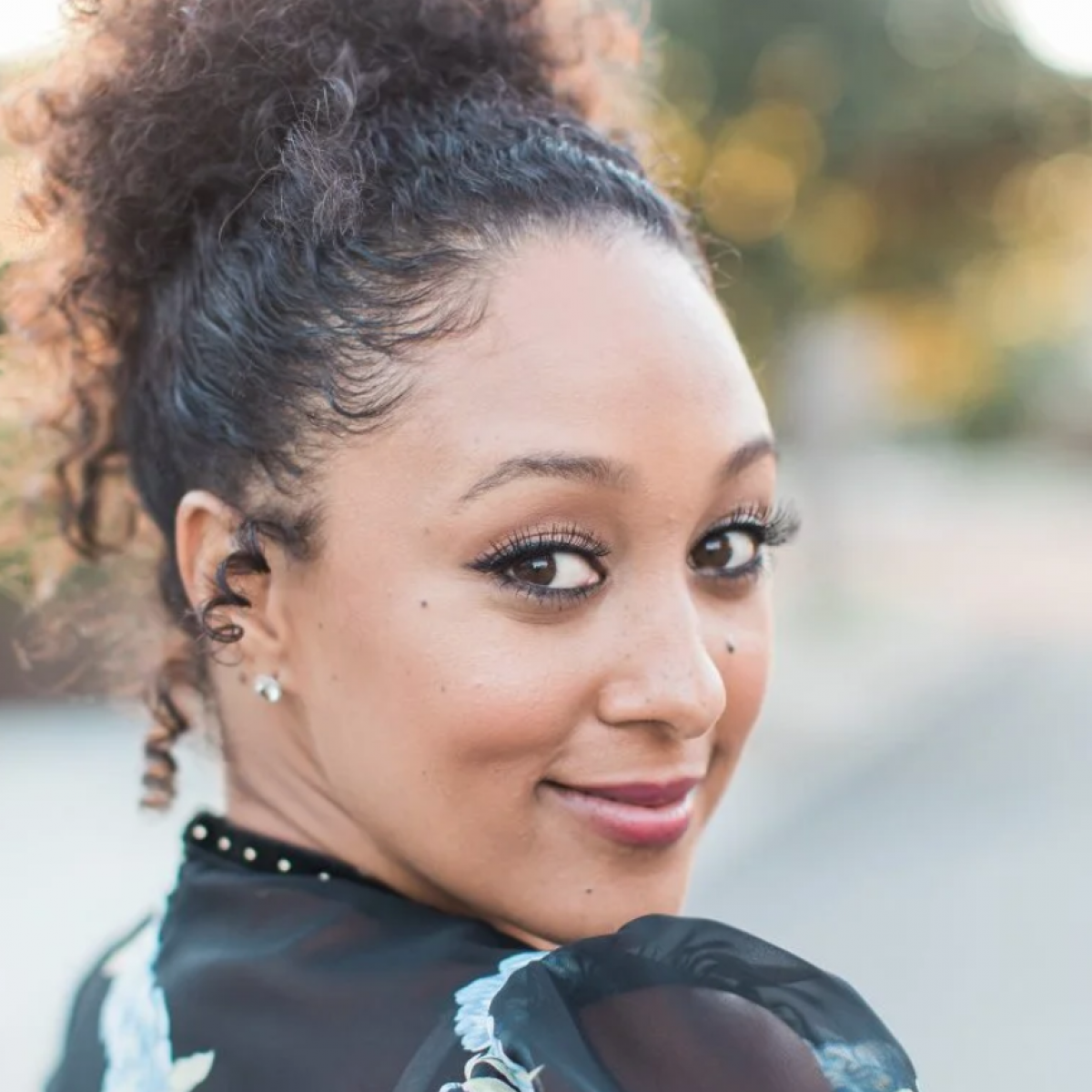 Tamera Mowry-Housely Says Her Mom Fought For Her And Tia To Be Compensated Fairly As Child Actors
