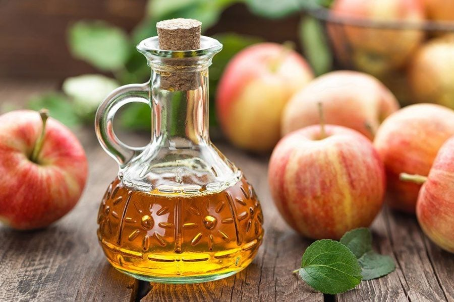5 Tasty Apple Cider Vinegar Products For Healthier Hair and Skin