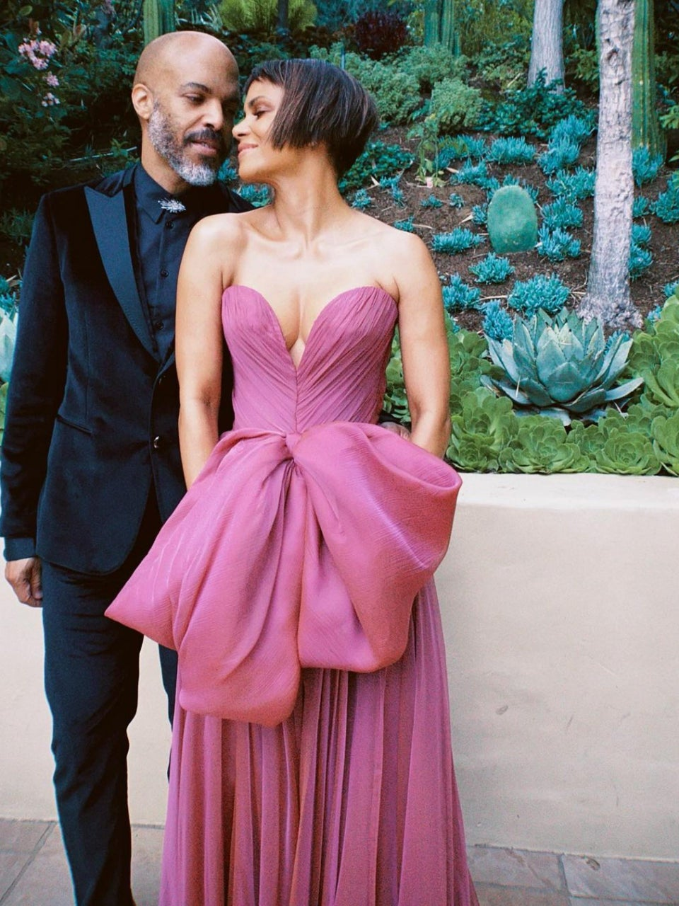 Going Strong! Halle Berry and Van Hunt Made It A Date Night At The Oscars