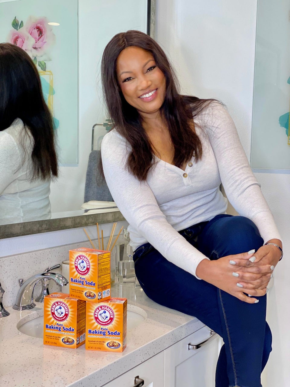 """Garcelle Beauvais Talks Pandemic Dating And Why Hot Girl Summer Is For """"Girls"""" Over 50, Too"""