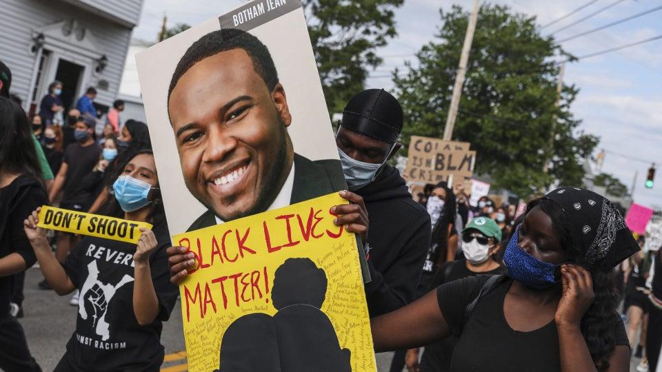 Former Police Officer Sentenced to Prison for Killing Black Neighbor Botham Jean Seeks Lesser Charge