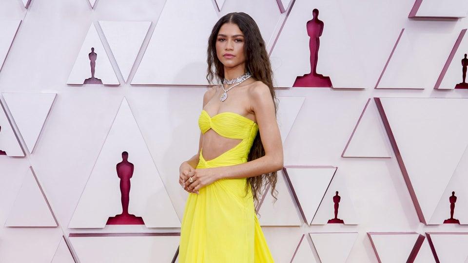 Zendaya Wears Custom Valentino To The 2021 Oscars