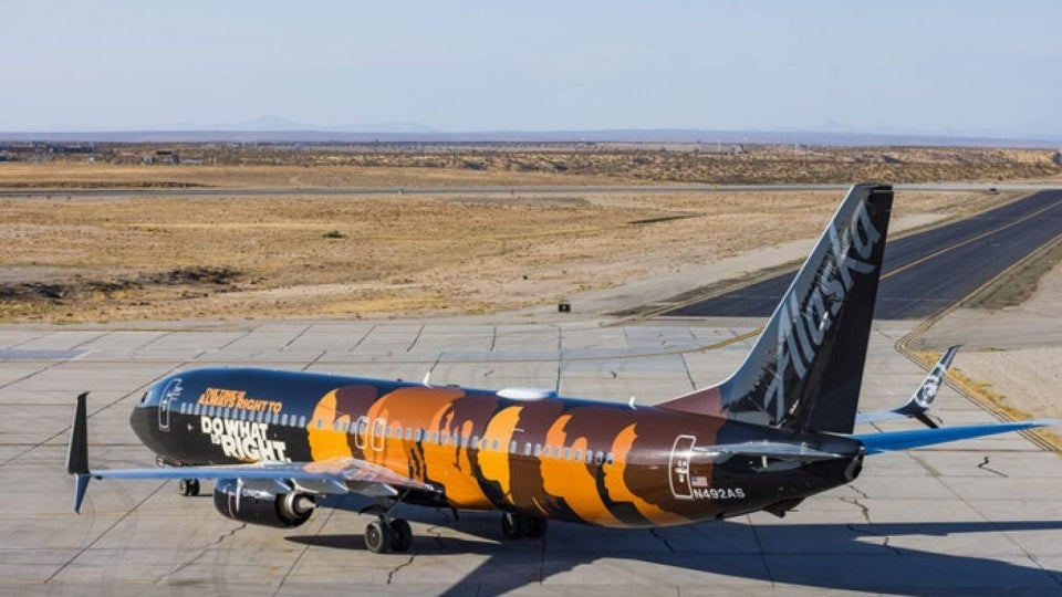 """Alaska Airlines Unveils """"Commitment"""" Aircraft In Support Of United Negro College Fund"""