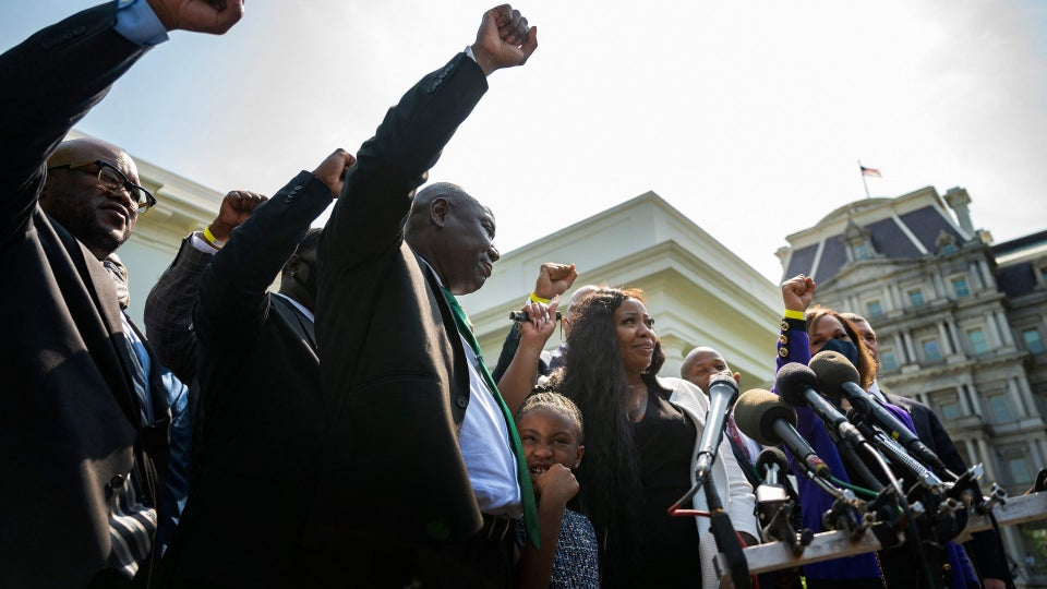 Family of George Floyd Meets with President Biden, VP Harris, and Capitol Hill Leaders to Push for Police Reform