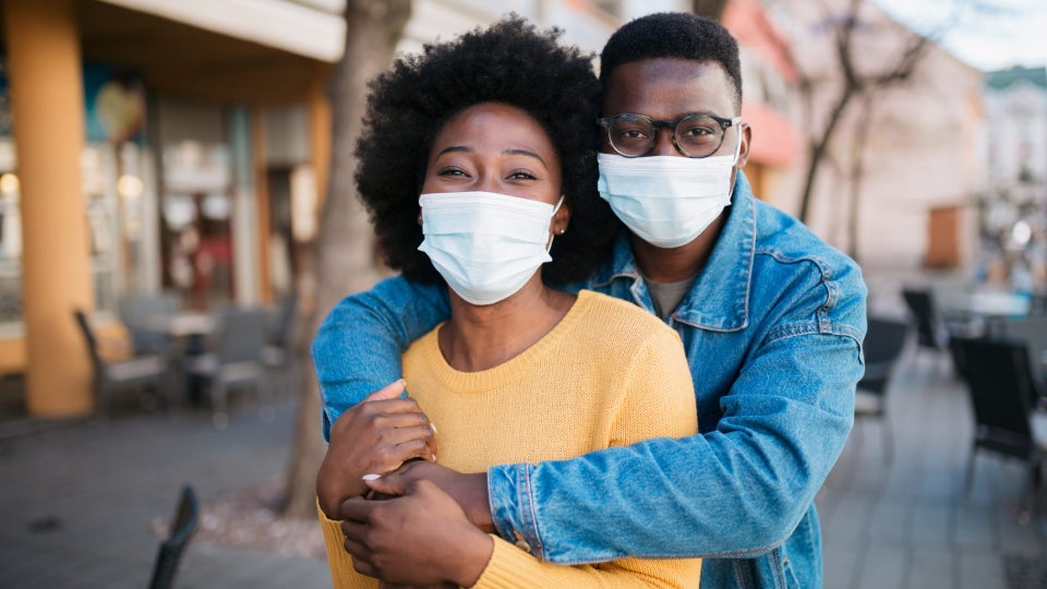 An Expert Explains Why The Pandemic Broke So Many Couples Early On, And Why Many Are Staying Together Now