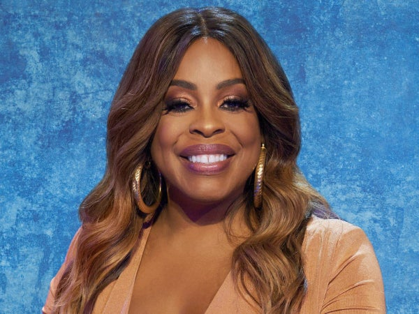"Niecy Nash Explains Why Having Separate Bathrooms Is ""The Only Way To Stay Married"""