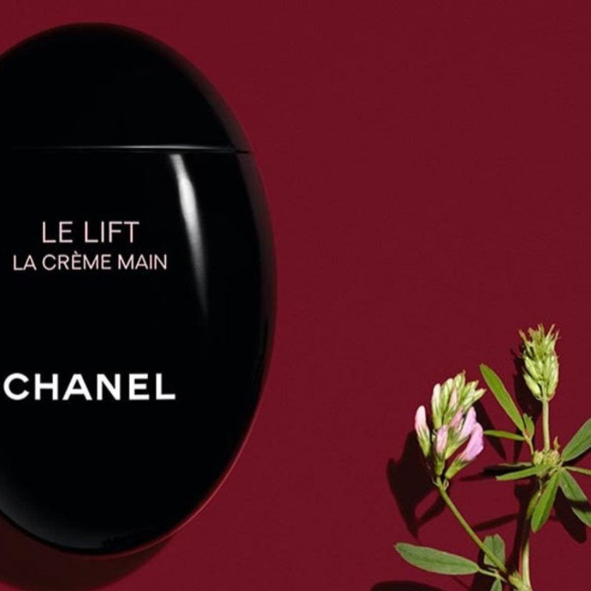 Add These 5 Luxury Beauty Items To Your Handbag