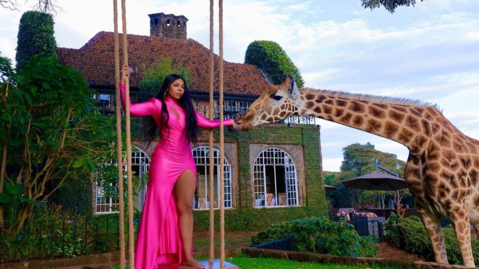 Ashanti Lived Her Best Life With Giraffes In Nairobi And She Has The Photos To Prove It