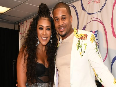 Devale And Khadeen Ellis Announce They're Expecting Their Fourth Child With A Family Photo Shoot
