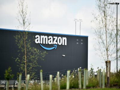 Amazon Burning Through Workers So Fast, Executives Worry They'll Run Out of People to Hire, NY Times Report Finds