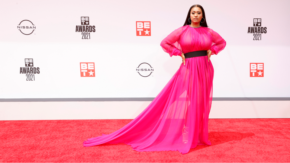 Everything You Need To Know About Jazmine Sullivan's 2021 BET Awards Look
