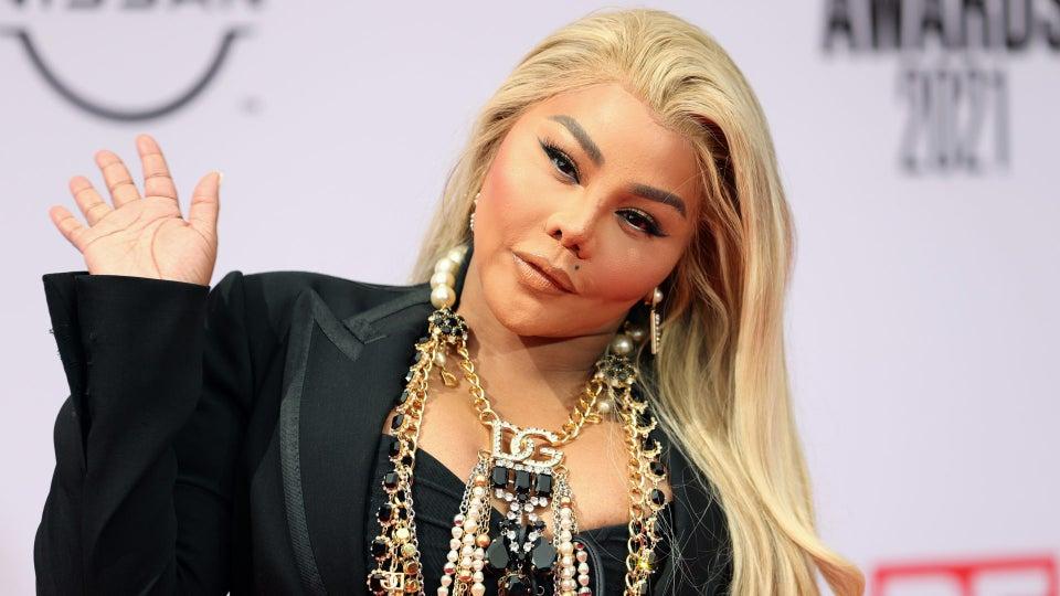 Lil Kim Reveals She Would Do A Verzuz Battle With Nicki Minaj