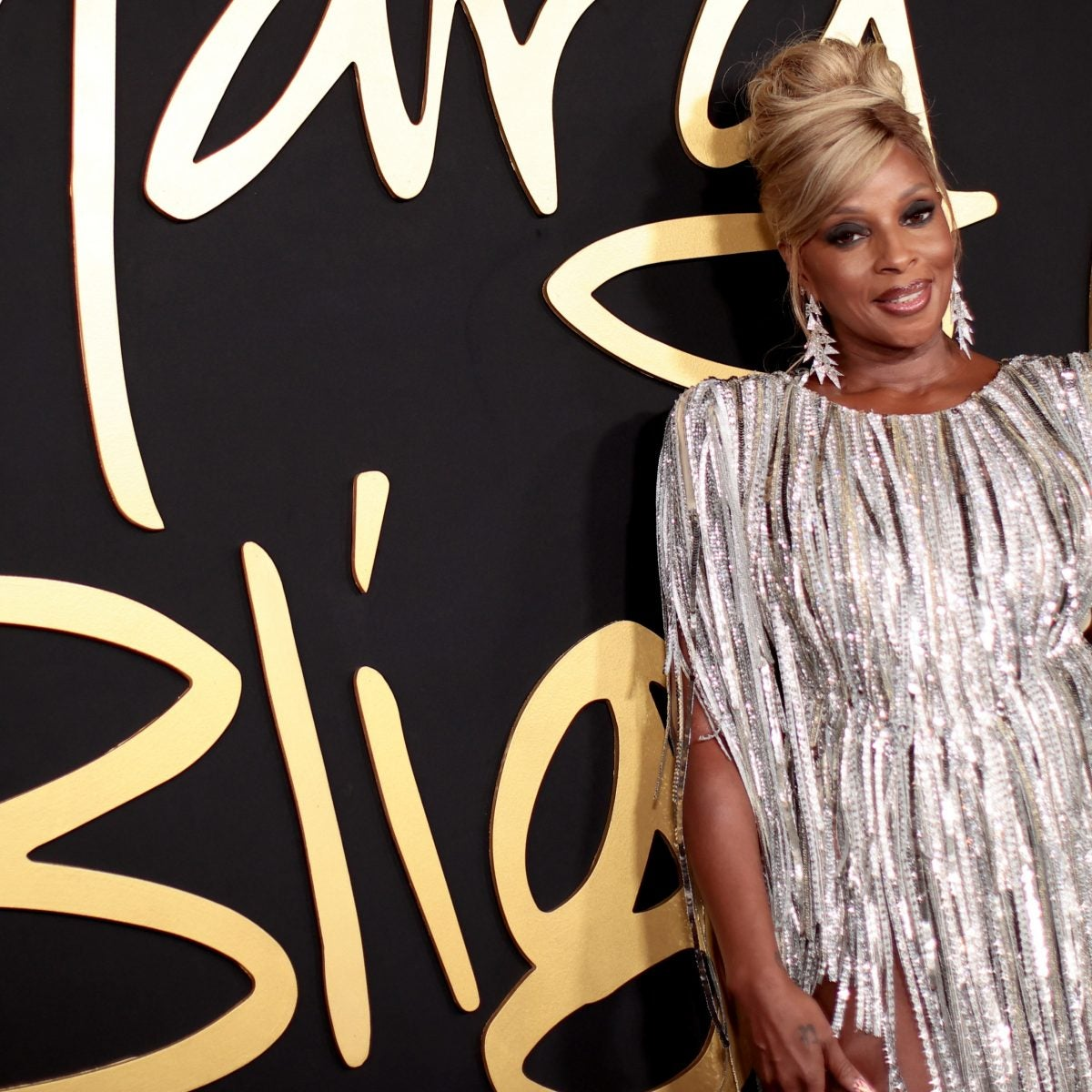 What's the 411: How Mary J. Blige Influenced Hip-Hop And R&B Fashion