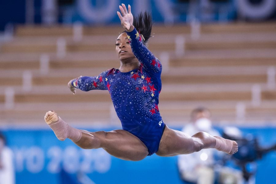 Simone Biles Is Feeling The 'Weight Of The World' On Her ...