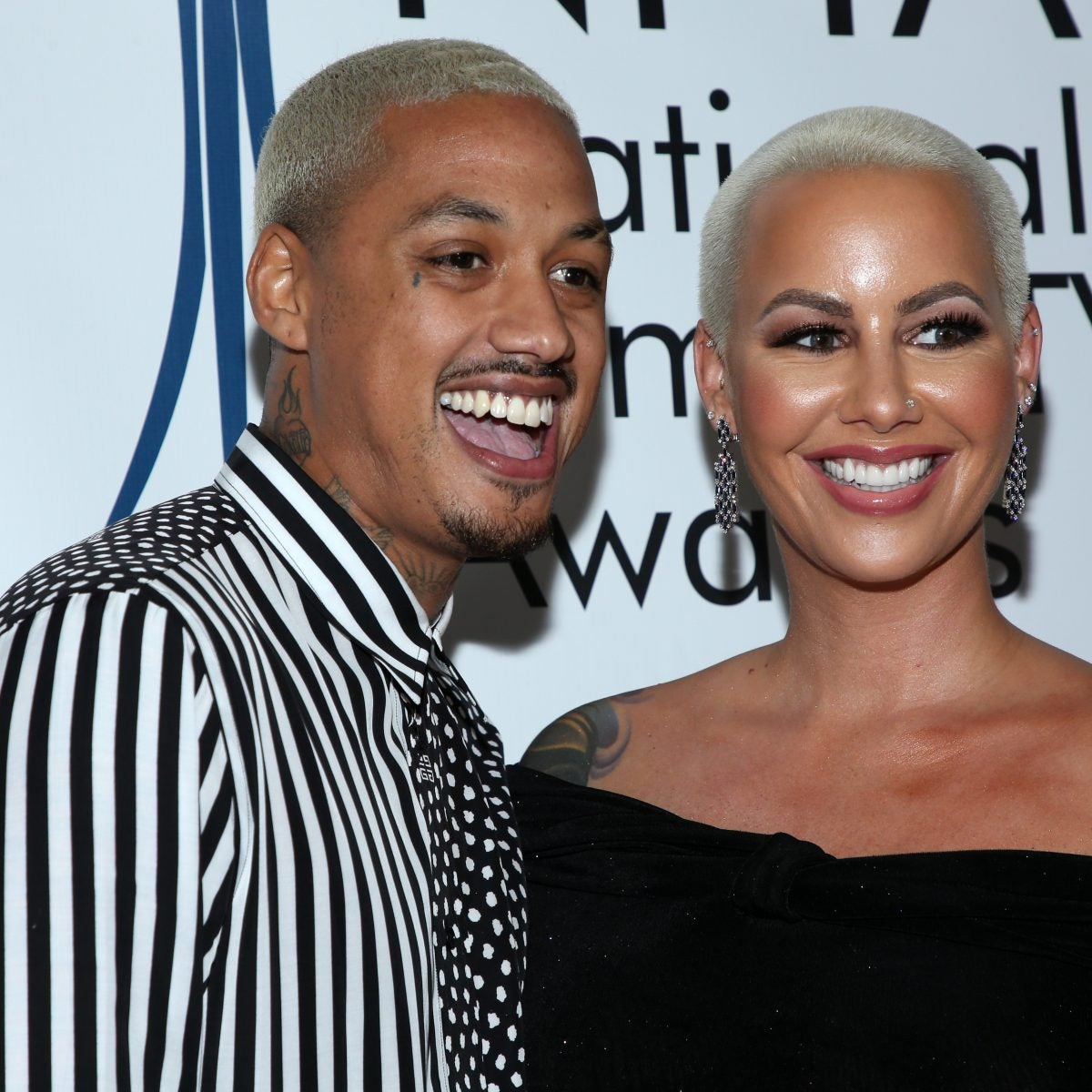 """Amber Rose Cuts Off Boyfriend, Mother In Emotional Message: """"I Refuse To Let Anyone Damage Me Anymore"""""""