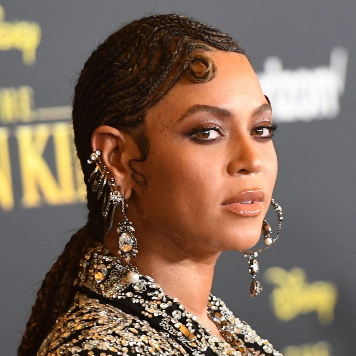 """Not Liking Beyoncé's """"Kitty Kat"""" Doesn't Make Me Anti-Black"""