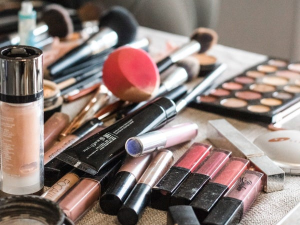 How To Clean The Clutter Off Your Beauty Counter, According To A Pro
