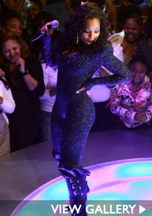 Ashanti-performing-425-gall.jpg