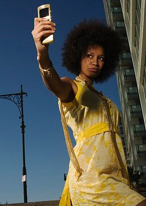 aa-woman-cell-phone-photo.jpg