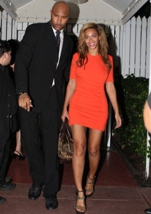 beyonce-coffee-talk-preggers-rumors-300-1.jpg