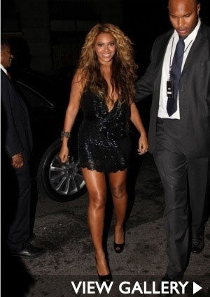 beyonce-sparkley-dress-300-sash-1.jpg