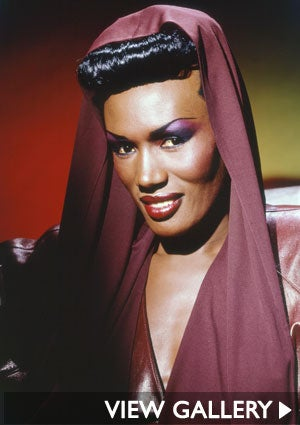 grace-jones-make-up-300x425.jpg