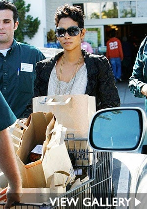 halle-berry-food-shopping-star.jpg