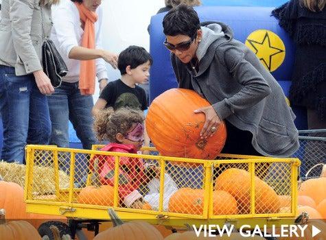 halle-berry-pumpkin-patch-475-sash-1.jpg