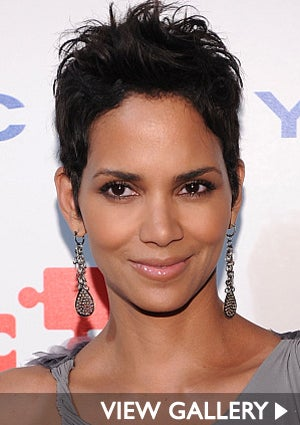 halle-berry-smile-425.jpg