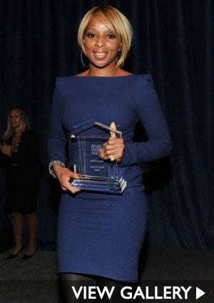 mary-j-blige-help-usa-425.jpg