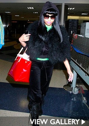nicki-minag-sweats-lax-425.jpg