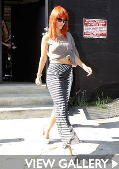 rihanna-west-hollywood-shopping-240.jpg
