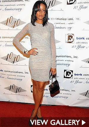 selita-ebanks-grey-300x425.jpg